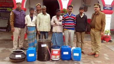 Five accused arrested with illegal raw liquor